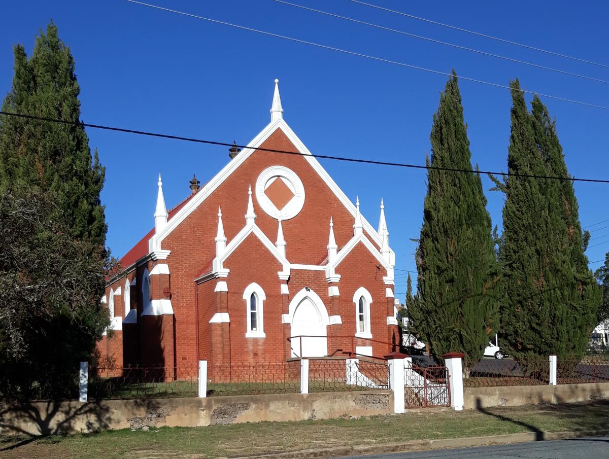 Saint Pauls Uniting Church, Junee from Stewart St